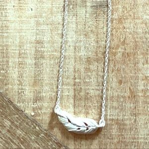 Classic FeAther necklace